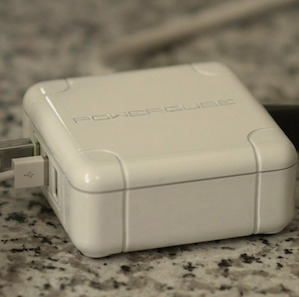 WORLDS SMALLEST HANDHELD USB + AC CHARGER RAISES $32,000+ ON KICKSTARTER