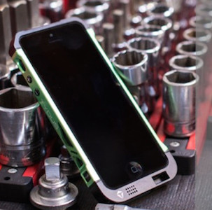 NEW ALUMINUM SOUND ENHANCING IPHONE CASE 'THE ARK' LAUNCHES ON KICKSTARTER