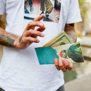 THE CARD WALLET: MINIMALIST WALLET WITH MAXIMUM FUNCTION IS LAUNCHING ON KICKSTARTER